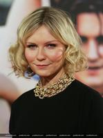 Kirsten Dunst likes to drink