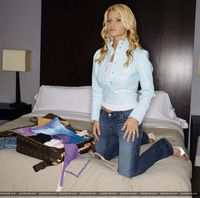 Jessica Simpson teaches us how to pack