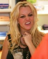 Britney Spears looks like Jessica Simpson