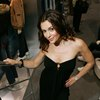 Alyssa Milano exposed her cleavage in a black dress