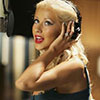 Christina Aguilera exposed her leopard bra