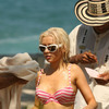 Christina Aguilera exposed her pink bikini