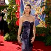 Ellen Pompeo exposed her cleavage in a dress