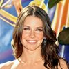 Evangeline Lilly exposed her cleavage in a hot dress