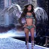 Izabel Goulart exposed her bra and panties for Victorias Secret