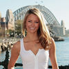 Jennifer Hawkins exposed her cleavage