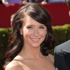 Jennifer Love Hewitt exposed her cleavage