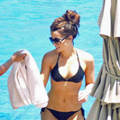 Kate Beckinsale exposed her body in a hot bikini