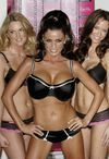 Katie Price exposed her black bra and panties