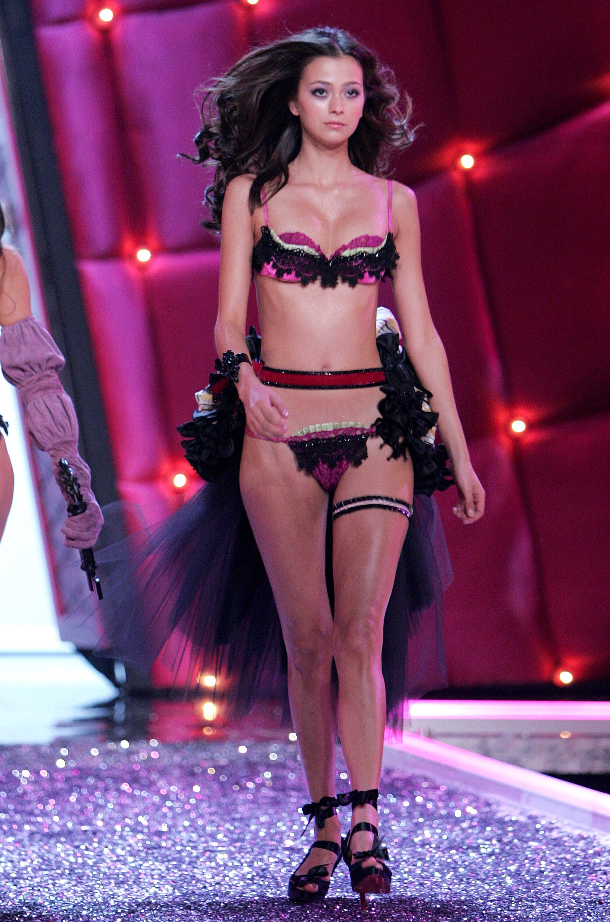 Victoria's Secret Angels Fashion Show pictures Morgane Dubled