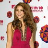 Shakira exposed her plunging cleavage