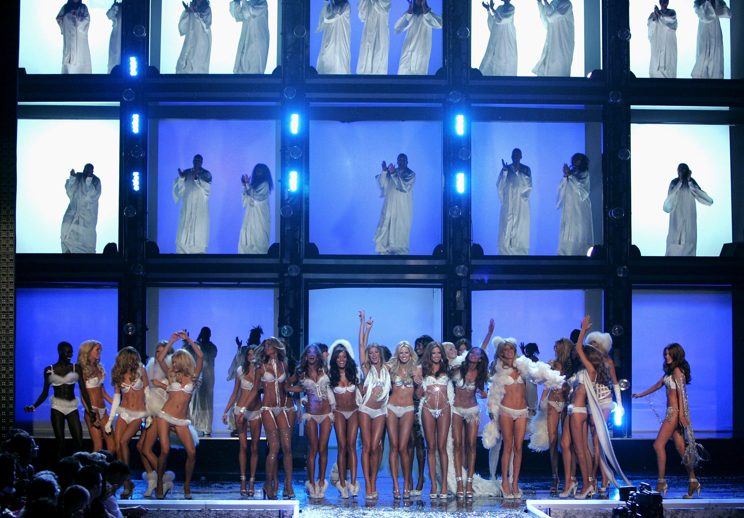 Victoria's Secret Angels Fashion Show pictures
