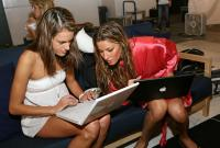 Victorias Secret Angels exposed in bathrobes with Apple Macs